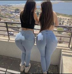 Sexy Jeans, Superenge Jeans, Curvy Jeans, Curvy Outfits, Girl Outfits, Botas Sexy, Voluptuous Women, Girl Fashion, Womens Fashion