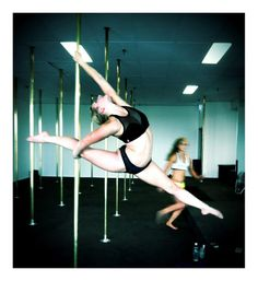"""Pole Picture of the Day: """"The Bendy Philly"""" with Bad Kitty Brand Ambassador Bendy Kate"""
