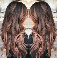rose gold hair Hair Highlights Rose Gold Balayage Ideas For 2019 Rose Gold Hair Brunette, Brown Blonde Hair, Dark Hair, Rose Gold Ombre, Rose Gold Brown Hair, Long Brunette, Gold Hair Colors, Brown Hair Colors, Rose Gold Hair Colour