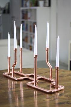 Ich habe schon wieder etwas aus Kupferrohrgebastelt: einen Kerzenständer. Der Kerzenständer lässt sich ähnlich wie meine Kupferrohrlampebauen, eigentlich sogar noch einfacher. Material: Kupferro…