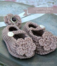 Crocheted_baby_Gift_Booties