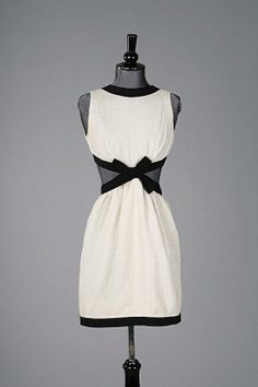 omgthatdress:  Dress Yves Saint Laurent, 1966 Kerry Taylor Auctions