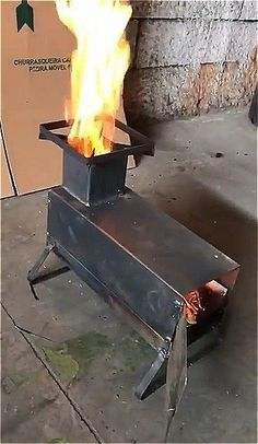 Fire Pit Cooking, Fire Pit Grill, Diy Fire Pit, Wood Stove Heater, Diy Wood Stove, Jet Stove, Homemade Shotgun, Rocket Stove Design, Rocket Mass Heater