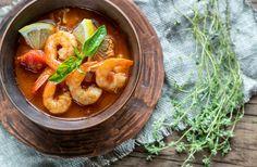 Si te gustan las sopas picantes, esta te encantará! En la zona norte de Tailandia es típico preparar sopas picantes como esta. Los camarones agarran un sabor delicioso!
