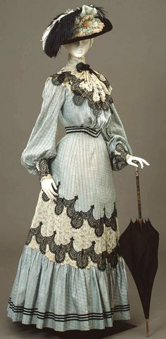 Lace Trimmed Walking Dress, ca. via Europeana Fashion ♥ jαɢlαdy Lace Trimmed Walking Dress, ca. via Europeana Fashion ♥ jαɢlαdy Edwardian Clothing, Edwardian Dress, Antique Clothing, Edwardian Era, 1920s Dress, Flapper Dresses, Vintage Outfits, Vintage Gowns, Vintage Mode