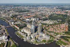 De Omval, de Rembrandttoren (1994), de Mondriaantoren (2001) en de Breitnertoren (2001).foto: Marco van Middelkoop/Aerophoto-Schiphol