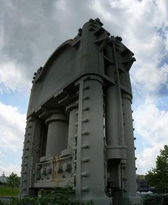 12,000 Ton Press by Kordite on Flickr.