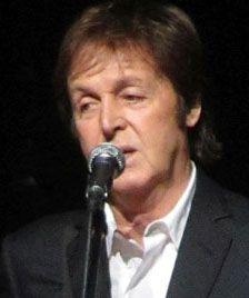 Das Promimagazin - Prominente - Stars & Society unabhängiges Magazin Paul Mccartney, Die Beatles, Angeles, Musicals, People, Laughing, Actors, Music, Angels