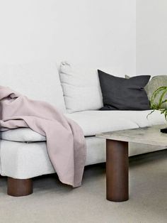 The March edition of the Scandinavian Design List emphasizes comfort, featuring several sofas and coffee tables as well as lighting solutions for in and outdoors. Add a bed, floral prints, and an air purifier, and we're all set to make our time at home extra hyggeligt.