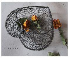 Wire Crafts, Metal Crafts, Wire Art Sculpture, Origami Bag, Wire Flowers, Wood Burning Art, Wire Work, Basket Weaving, Metal Art