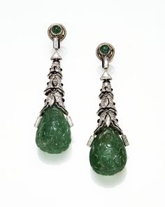 Cartier Paris Art Deco Emerald Onyx Diamond Earrings 1924. Clive Kandel started collecting Cartier jewels when he was an 18-year old, studying law. In the 1970s, he opened a shop in Grafton Street, London, opposite that of Wartski, the world-renowned shop specializing in works of art by Faberge, where he met many influential people, most especially pre-war Cartier clients. http://newyorkjewelrydiary.com/signed-jewels/