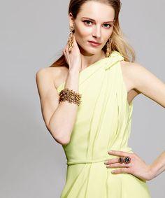 We <3 Oscar De La Renta jewelry. #MakeTheOutfit #AccessorySelfie