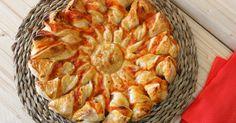 Para un entrante, cena sencilla, y rápida, para llevar al campo o la piscina...esta estrella de hojaldre es ideal!! La encuentras en mi blog Julia y sus recetas.