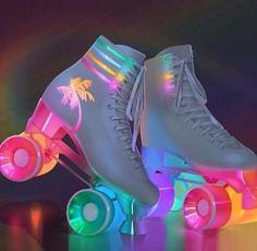 Light up vintage style rollerskates Roller Skate Shoes, Roller Skating, Light Up Roller Skates, Roller Derby Clothes, Quad Roller Skates, Roller Skate Party, Roller Skates For Sale, Roller Derby Girls, Roller Disco