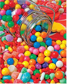 Pot renverser Bubblegum With Candy Photographie - Art sucrerie Pot renverser Bubblegum Avec Imprimer Taste The Rainbow, Over The Rainbow, Paletas Chocolate, Candy Photography, Colourful Photography, Gum Drops, Colorful Candy, Colorful Food, Chewing Gum