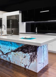 new york marble, back lit Modern Kitchen Interiors, Luxury Kitchen Design, Kitchen Room Design, Contemporary Kitchen Design, Luxury Kitchens, Home Decor Kitchen, Interior Design Kitchen, Kitchen Island Furniture, Best Kitchen Countertops