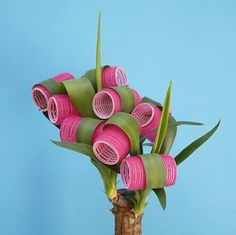 Photographer Vanessa Mckeown shows a breezyl outlook on everyday objects in this selection of Mckeown's colourful photography work. Foto Art, Motif Floral, Arte Pop, Everyday Objects, Grafik Design, Still Life Photography, Conceptual Art, Graphic, Art Direction