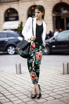 studded heels with 2017 printed pants 2017 and blazer
