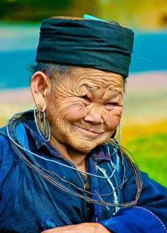 Beautiful old people are works of art... (24 pieces)