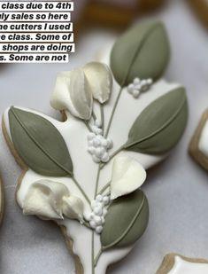 Flower Sugar Cookies, No Bake Sugar Cookies, Leaf Cookies, Spice Cookies, Cookie Designs, Cookie Ideas, Galletas Cookies, Beautiful Desserts, Polymer Clay Projects