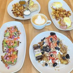 """Kanchan Garg on Instagram: """"NEW VENUE ALERT - @eatyolk just opened a location in Lincoln Park with all the classics + several new items like #avocadotoast…"""" Best Brunch Chicago, Avocado Toast, Lincoln, Park, Classic, Instagram, Derby, Parks, Classic Books"""