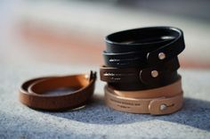 Com pulseiras de couro…  anchordivision:    Leather Works Minnesota – Double…