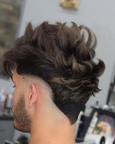 Men's Hair, Haircuts, Fade Haircuts, short, medium, long, buzzed, side part, long top, short sides, hair style, hairstyle, haircut, hair color, slick back, men's hair trends, disconnected, undercut, pompadour, quaff, shaved, hard part, high and tight, Mohawk, trends, nape shaved, hair art, comb over, faux hawk, high fade, retro, vintage, skull fade, spiky, slick, crew cut, zero fade, pomp, ivy league, bald fade, razor, spike, barber, bowl cut, 2020, hair trend 2019, men, women, girl, boy… Mohawk Hairstyles Men, Classic Hairstyles, Haircuts For Men, Medium Hairstyles, Wedding Hairstyles, V Hair, Wavy Hair Men, Hair Trends 2015, Mens Hair Trends