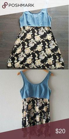 Vintage 90s DENIM FLORAL Dress M Vintage 90s Denim top floral skirt dress. Pulls over head. Bust 38 in Waist 32 in Hip Free Length 34 in In good condition Vintage Dresses