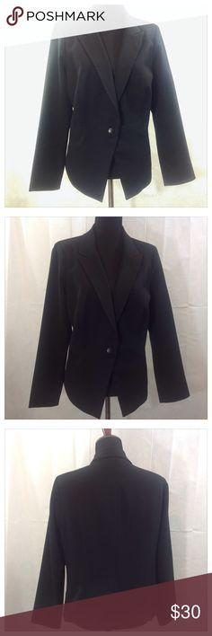 Black Blazer Stylish Daniel Rainn black blazer for the office. 84% polyester, 12% rayon, 4% spandex. Hand wash cold. Hang to dry. Daniel Rainn Jackets & Coats Blazers