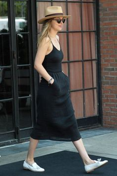Dakota Johnson style - Image 12