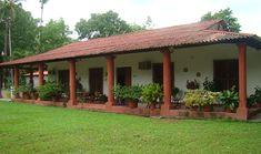 Haciendas Chocolate in Yucatan Village House Design, Kerala House Design, Village Houses, Round House Plans, Barn House Plans, Hacienda Homes, Hacienda Style, Spanish Style Homes, Spanish House