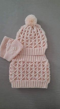 Diy Crafts - This Pin was discovered by hab Crochet Girls, Crochet Baby, Knit Crochet, Baby Knitting Patterns, Crochet Patterns, Diy Crafts Crochet, Easy Knitting, Knit Beanie, Knitted Hats