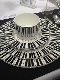 How far would you go? How about piano key china! It might be a little overload, so you can always break it up with white dishes.