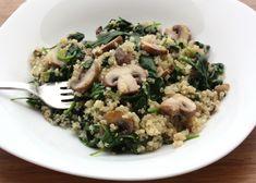 Zoznamovala som sa s quinoa. Kombináciu šampiňóny a špenát, už vďaka pegybaby poznám, s cesnakom je úchvatná.