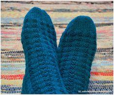 sohvaneulomo: Vuoden ensimmäiset sukat Socks, Fashion, Moda, Fashion Styles, Sock, Stockings, Fashion Illustrations, Ankle Socks, Hosiery