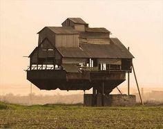 Floating House (Krasnosilka/ Ukraine).