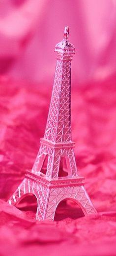 #pink Eiffel Tower