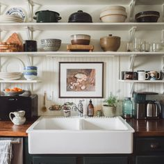 Home kitchens - Rustic Farm Kitchen Vibes – Home kitchens Farm Kitchen Ideas, Open Kitchen, Kitchen Dining, Kitchen Decor, Kitchen Shelves, Kitchen Sinks, Kitchen Art, Kitchen Styling, Kitchen Backsplash