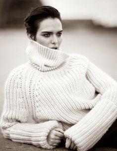Sam Rollinson photographiée par Boo George pour Vogue Chine novembre 2013