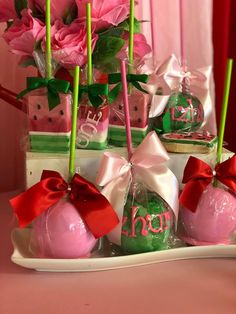 Watermelon Birthday, Christmas Bulbs, Gift Wrapping, Holiday Decor, Gifts, Ideas, Home Decor, Gift Wrapping Paper, Presents