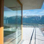 Terrasse mit Nordkettenblick #terrace #mountainview #covetti #nordkette #aldrans #mariposa Innsbruck, Wind Turbine, Windows, Patio, Commercial Real Estate, Country Living, Environment, Ramen, Window
