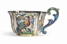 A RUSSIAN SILVER-GILT AND SHADED CLOISONNÉ ENAMEL VODKA CUP MARK OF FEODOR RÜCKERT, '88' STANDARD, MOSCOW, 1896/1908