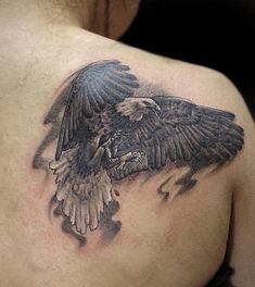 Eagle and snake Tattoo Eagles are powerful birds known for their enormous size and fast, effortless flight. Eagle tattoo is a popular tattoo idea for man Neue Tattoos, Body Art Tattoos, Tatoos, Cool Tattoos For Guys, Tattoos For Women, Bald Eagle Tattoos, Tattoo Eagle, Eagle Shoulder Tattoo, Adler Tattoo