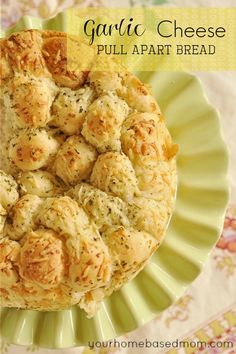 Garlic Cheese Pull Apart Bread- so simple to make but delicious! Its a crowd pleaser.