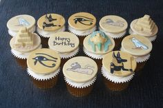 Egyptian Cupcakes by OH MY Sugar Pie x #egypt #pharo #pyramid #hieroglyphics
