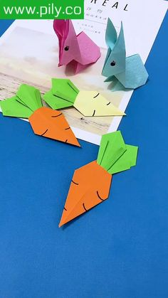 Paper Origami Flowers, Paper Crafts Origami, Origami Paper, Paper Crafts For Kids, Diy Arts And Crafts, Creative Crafts, Hand Crafts For Kids, Art For Kids, Origami Patterns