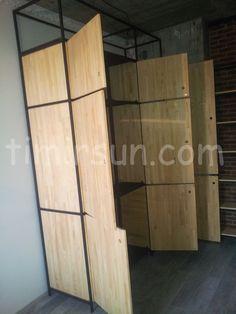 Шифоньер, гардероб из металла и дерева в стиле лофт