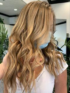 Full foil warm honey blonde for naturally light brown hair types Brown Blonde Hair, Light Brown Hair, Hair Tips, Hair Hacks, Honey Hair, Natural Light, Hair Beauty, Warm, Long Hair Styles