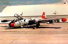 USAF Martin EB-57 Canberra. Military Jets, Military Aircraft, Aircraft Painting, Us Air Force, English Electric Canberra, Air Fighter, Fighter Jets, School, Military Pictures