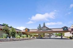 Super 8 Meadow Wood Courtyard Reno (Nevada) Reno-Tahoe International Airport and downtown Reno are within 7 minutes' drive from Super 8 Meadow Wood Courtyard. It features an on-site restaurant, serves a daily continental breakfast and has an outdoor seasonal pool.